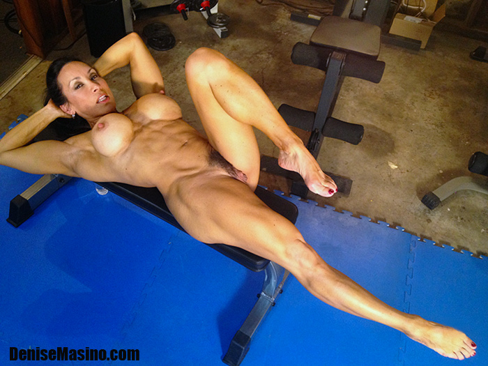 girl weight lifting naked