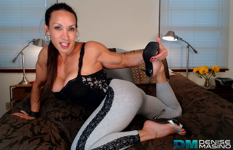 DeniseStretchCam3